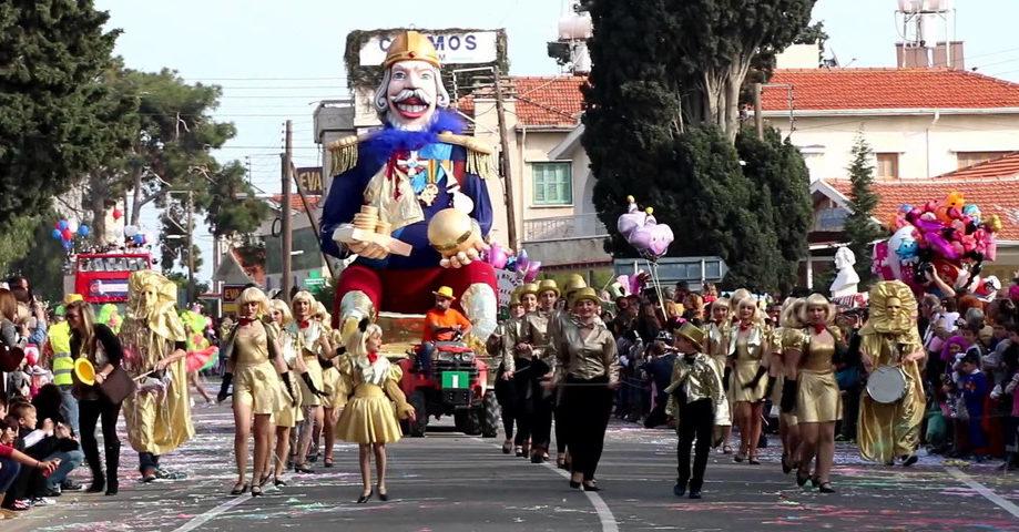 Карнавал в Патрах, замок-винодельня Ахайя-Клаус (фото 5)