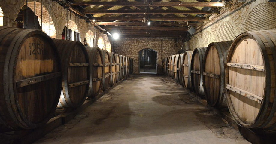 Карнавал в Патрах, замок-винодельня Ахайя-Клаус (фото 8)
