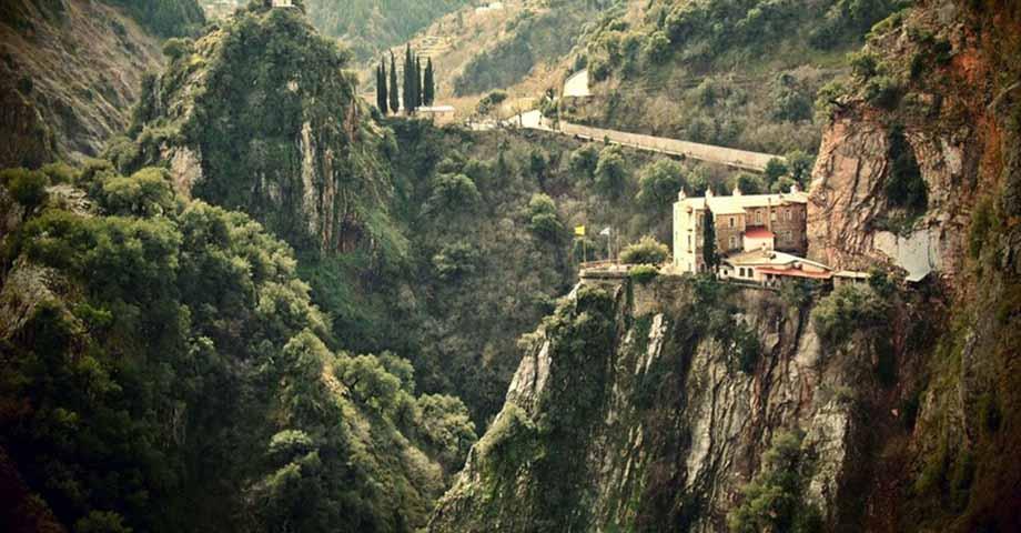 Greece Travel: О-в Эвбея: обитель блж.Давида, Карпениси, мон. Пруссос, празднование Рождества (фото 1)