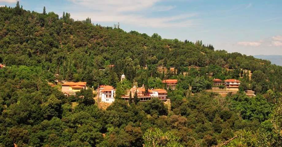 Экскурсия: монастырь св.Агафона + источник Ипати (фото 1)